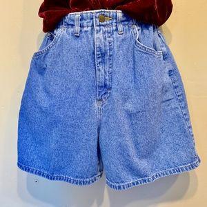 Lee   VTG High Waisted Cinched Waist Jean Shorts